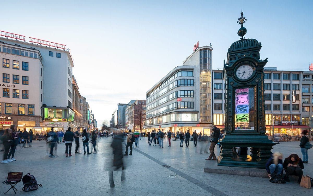 25 Best Things To Do In Hanover Germany The Crazy Tourist Hannover Hannoveraner Wolfsburg