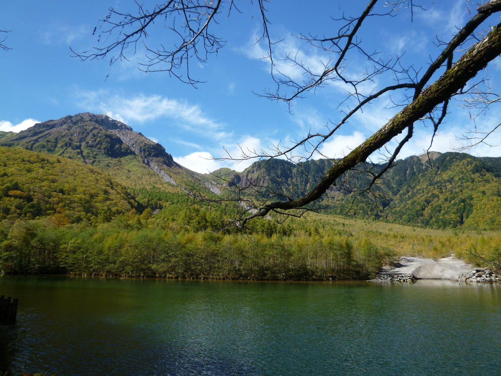 """Taishoike""(Lake/Lago), Kamikochi Matsumoto Nagano Japan (Ottobre)"