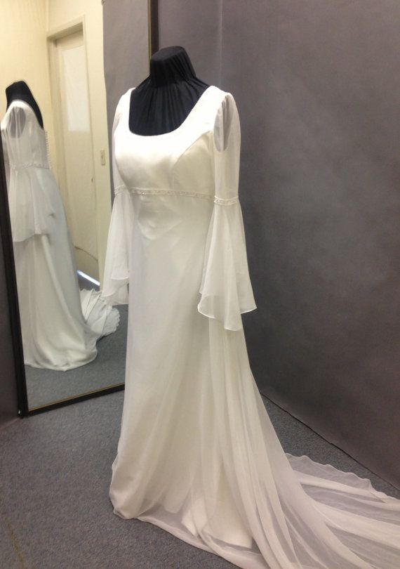 Vintage 1960\'s Plus size Romeo & Juliet inspired Wedding Gown ...