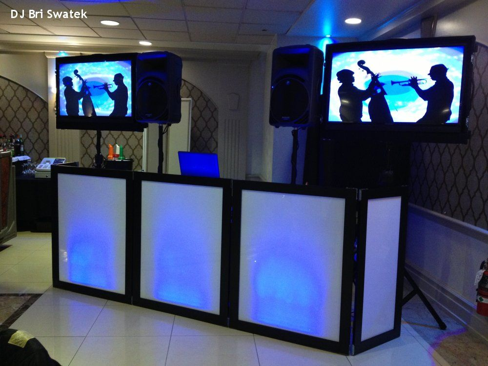 Hudson Valley Wedding Dj Bri Swatek Blue Facade Li Additional