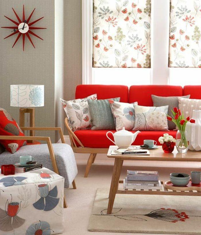 Rotes Sofa Wohnzimmer Einrichten Farbige Dekokissen Vintage Stil