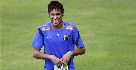 El Santos decide hoy si acepta la oferta del Barça por Neymar