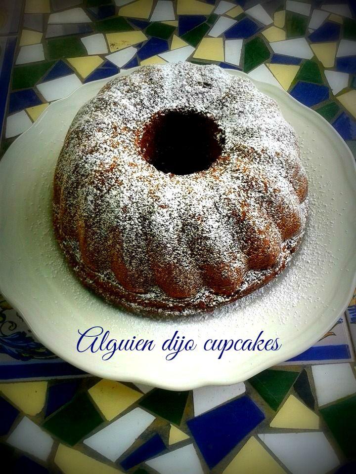 http://alguiendijocupcakes.blogspot.com.es/2015/01/bizcocho-bundt-de-chocolate-blanco.html BIZCOCHO DE CHOCOLATE BLANCO Y ESPÉCIES