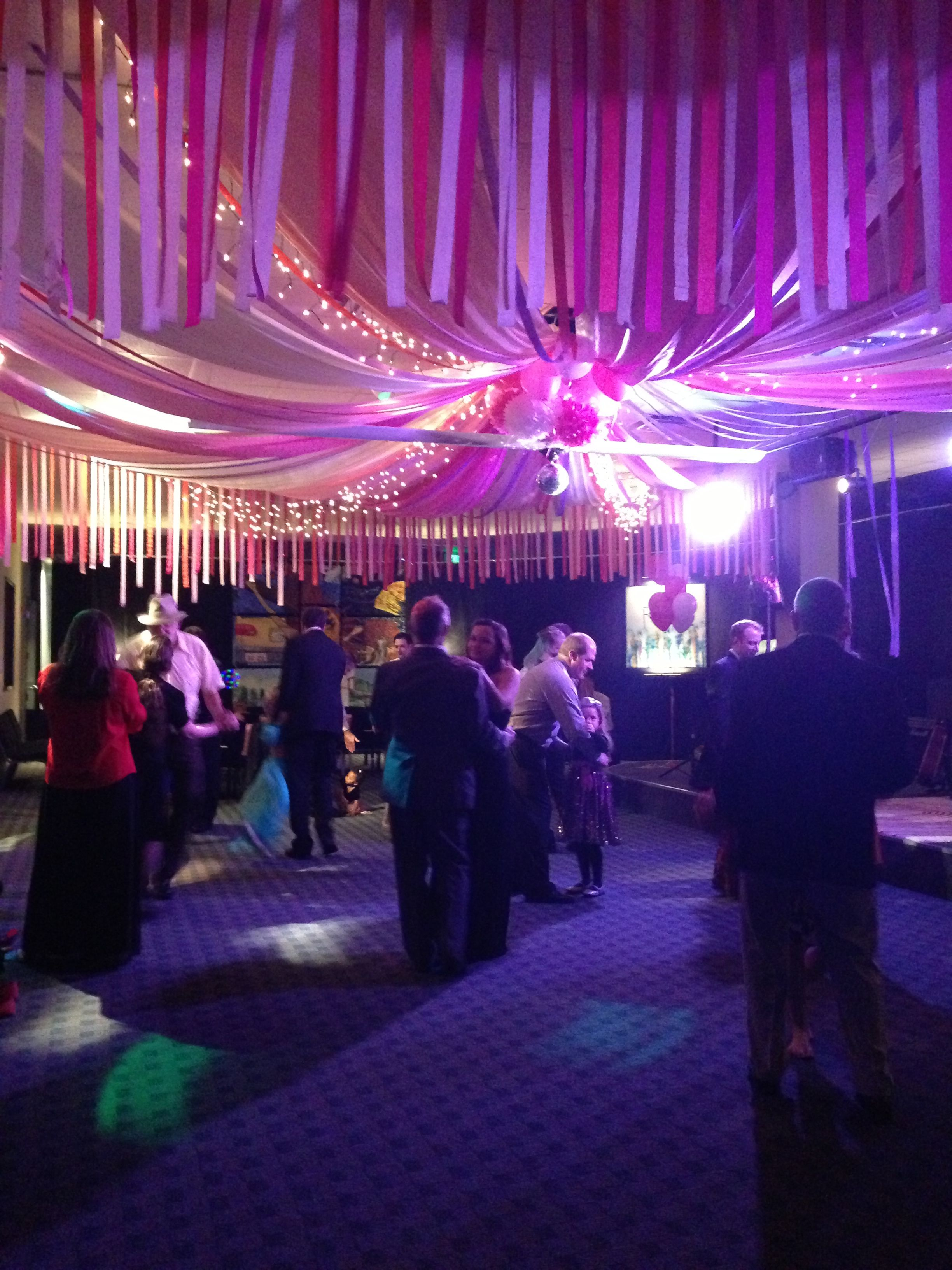 Décoration Bal De Promo Circus Tent Style Prom Decorations Minus The Streamers On
