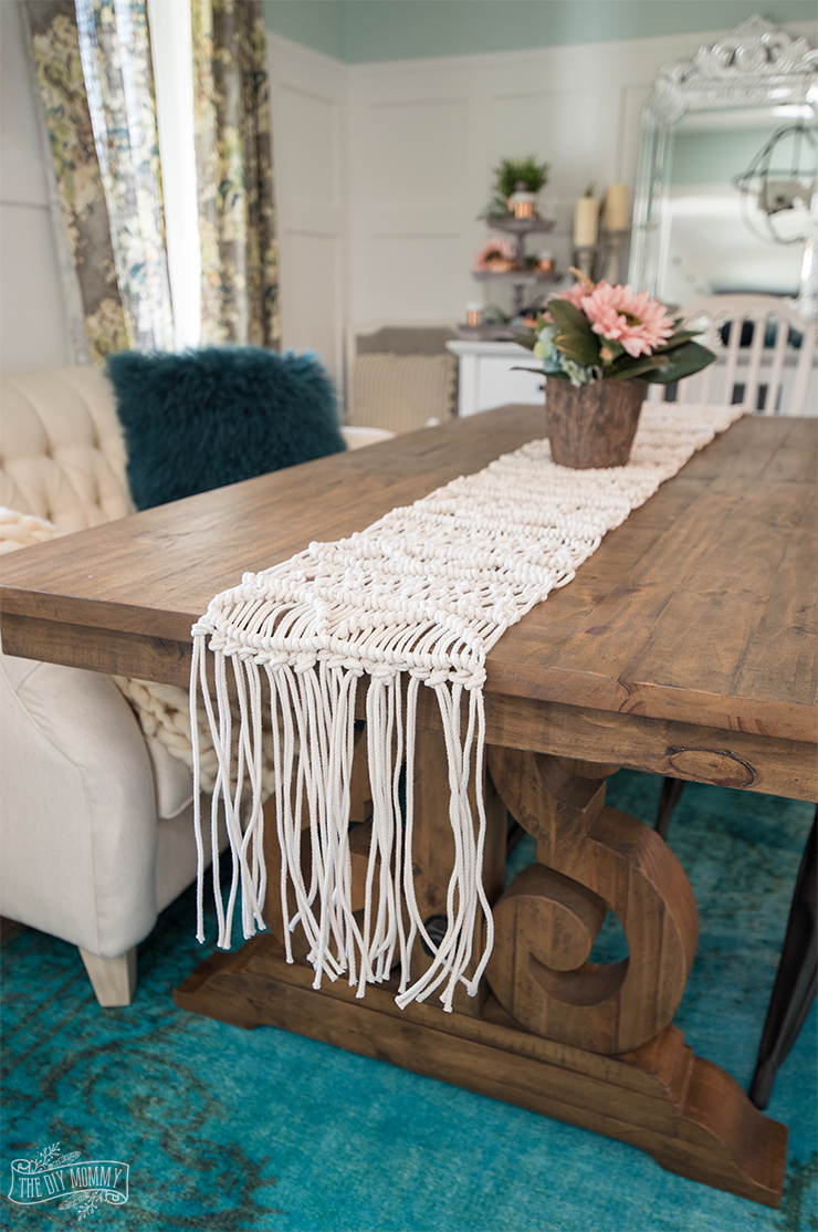 Photo of Make a Macrame Table Runner (Video Tutorial) | The DIY Mommy