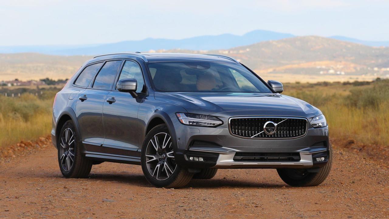 2017 Volvo V90 Cross Country Review Photo
