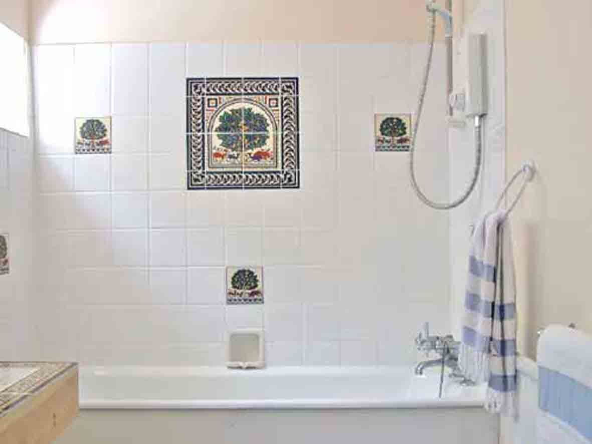 Cheap Bathroom Tile Ideas | bathroom tile ideas | Pinterest | Tile ...