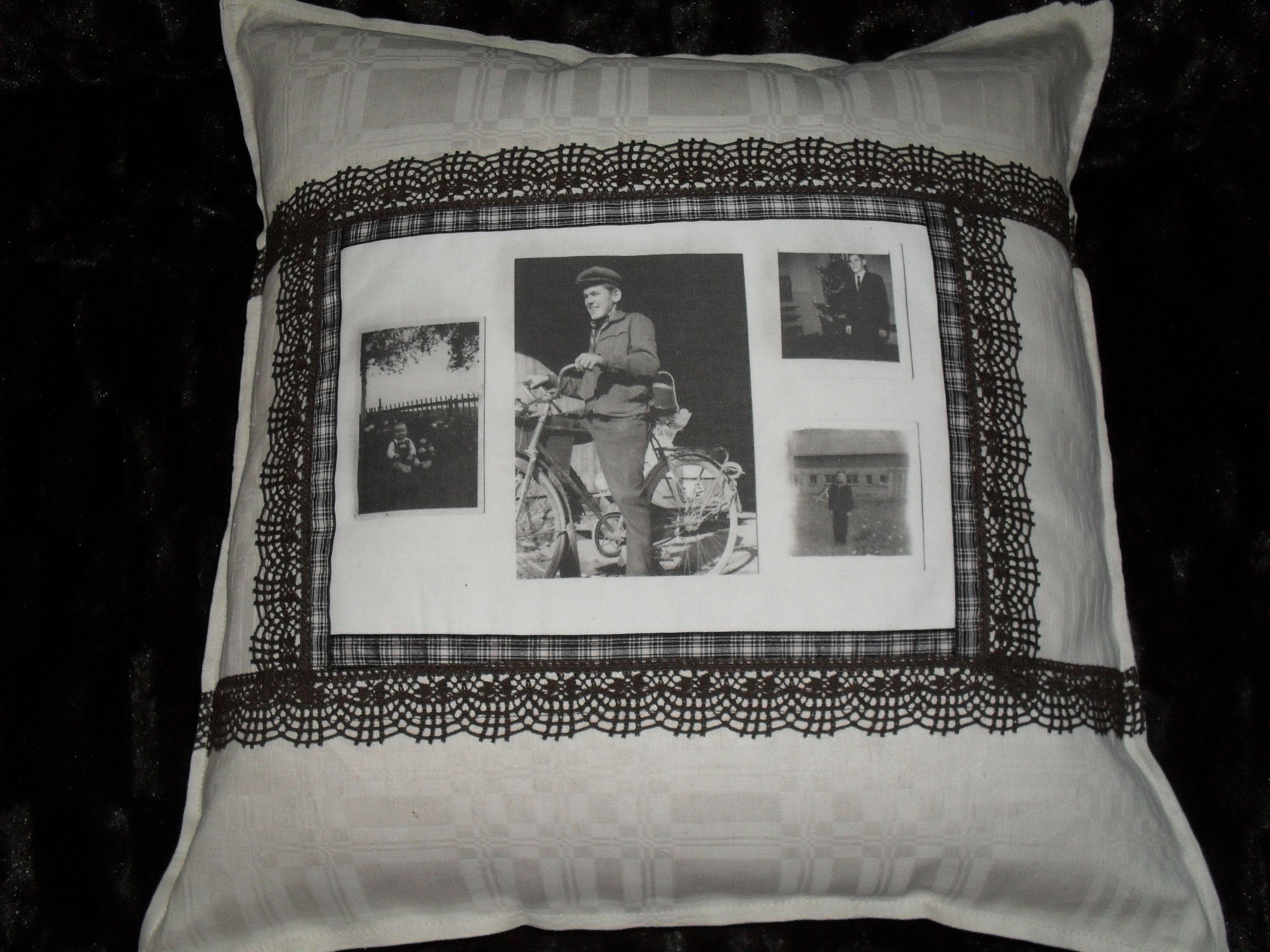 Vanhoista valokuvista tyynyjä ...nostalgiaa.  Tyynyn pohjakankaana äitini käsin tekemä pöytäliina. Monet ystävistäni, sisaruksista  ym. ovat saaneet vastaavanlaisia retro-tyynyjä jouluna, syntymäpäivälahjana ym.