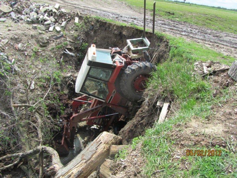 Farm Equipment Wrecks Google Search Whoops Farmall