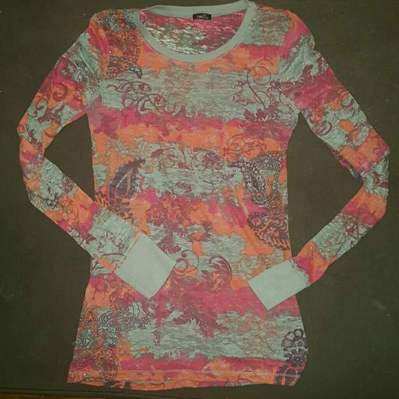 Rue 21 Long Sleeve Light weight long sleeve. Kind of see thru in some areas so you can wear a colored tank underneath. Rue 21 Tops Tees - Long Sleeve