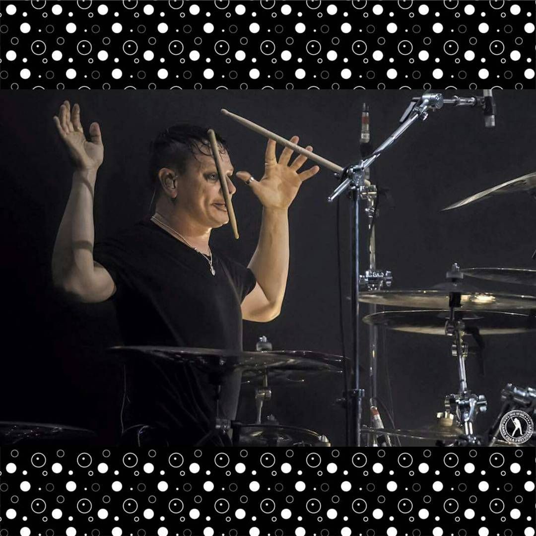 """Ta-DAHHHHHHH!  Ray and the UFD Unidentified Flying Drumstick (cool name for a band, huh?) closing out tonight, one #RayDaySaturday !  Brought to you by…"""