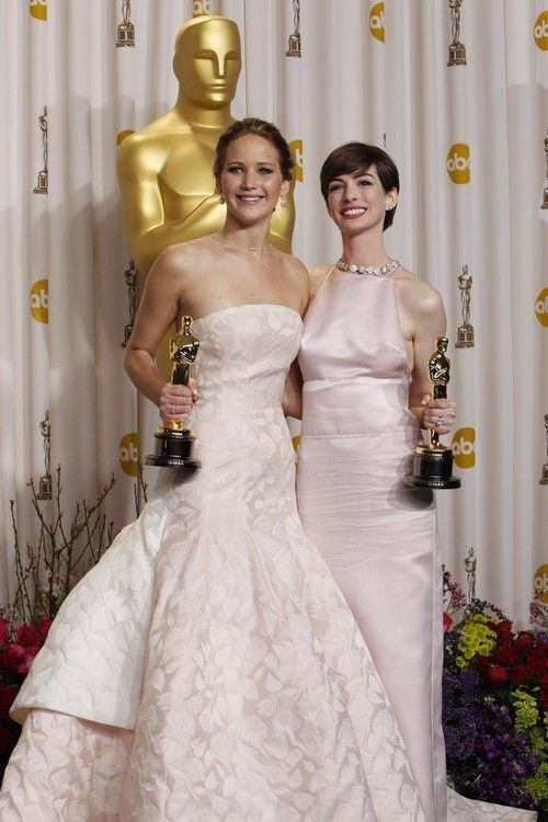 Jennifer Lawrence and Anne Hathaway | Award show dresses ...