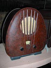 Bakelite radio at Bakelite museum!