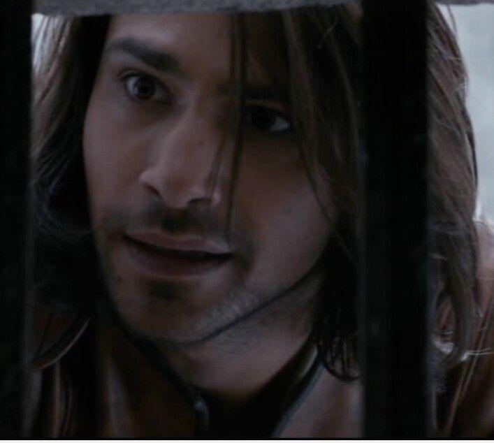 D'Artagnan comforts Constance...