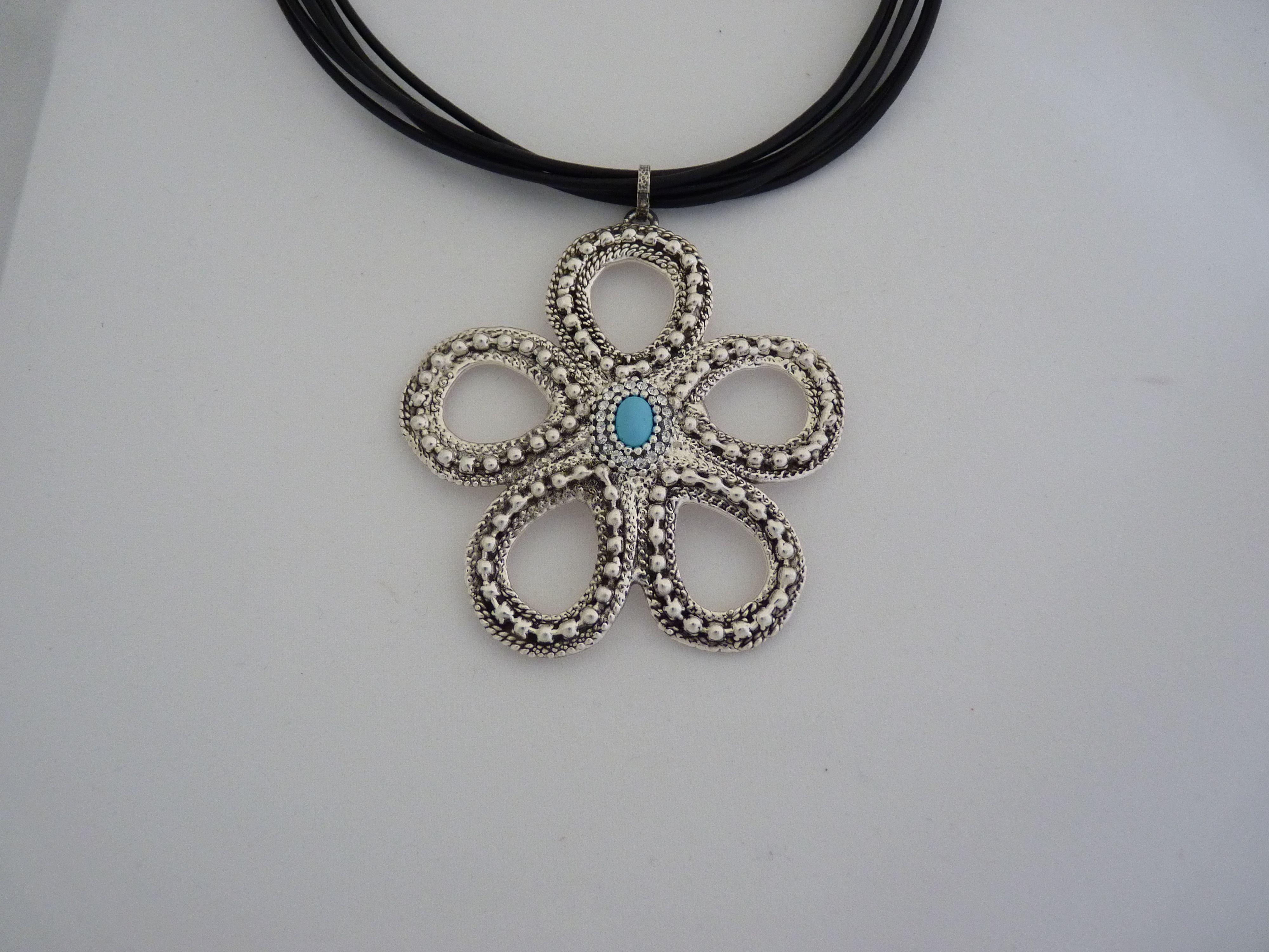 Bold & Beautiful necklace - Fun and Flirty!