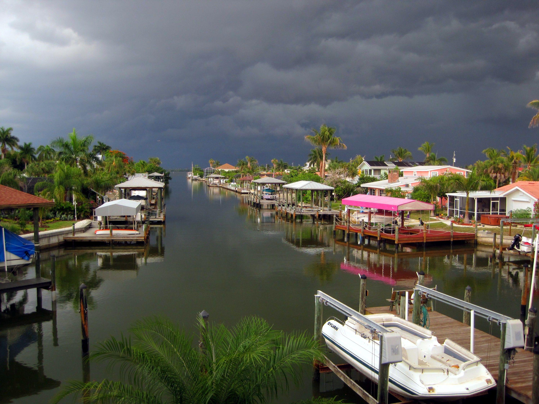 Behind The Dolphin Inn Fort Myers Beach Fl