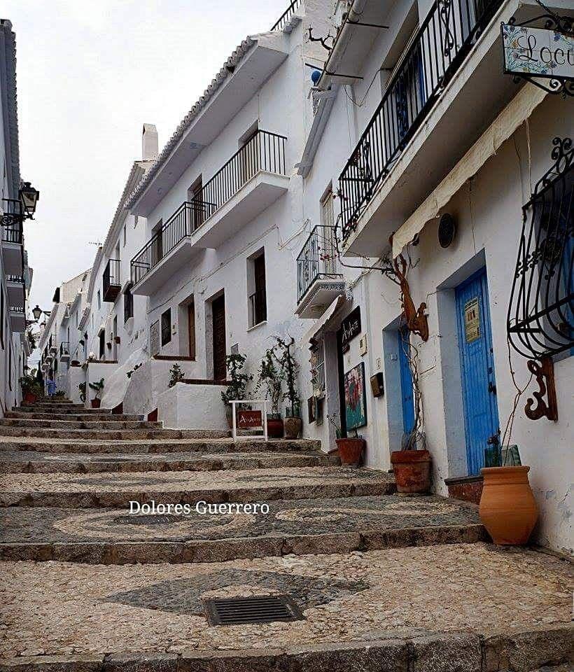 Málaga. Frigiliana. Calle Hernando el Darra.  Fotografía de Dolores Guerrero García