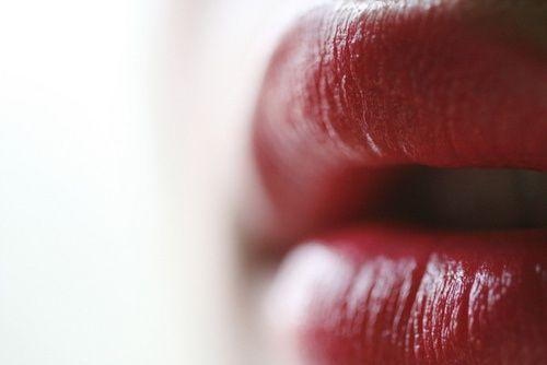 """Resultado de imagem para """"Colada à tua boca a minha desordem"""" - Hilda Hilst"""