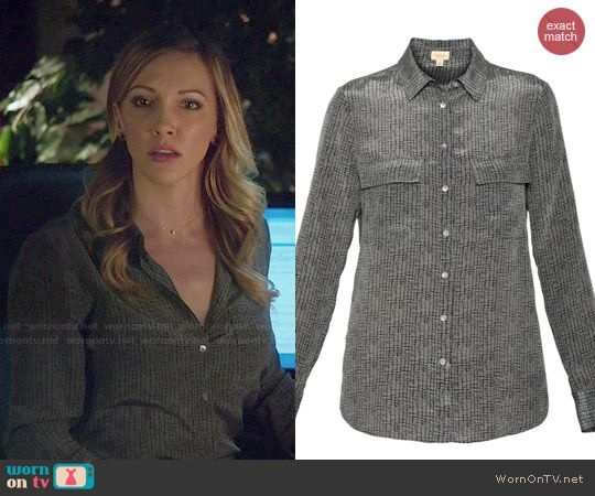Laurel's grey printed blouse on Arrow.  Outfit Details: http://wornontv.net/48275/ #Arrow