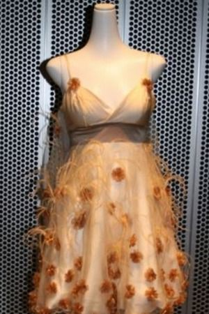 Is it weird this is the kind of dress I want to wear to prom ...