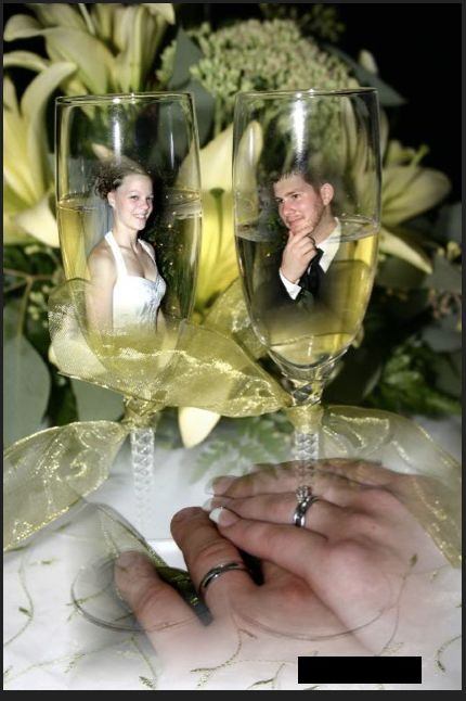 Bad Wedding Photo Yet Another Poor Use Of Photoshop Why Are They In The Champagne Flutes Funny Wedding Photos Tacky Wedding Worst Wedding Photos