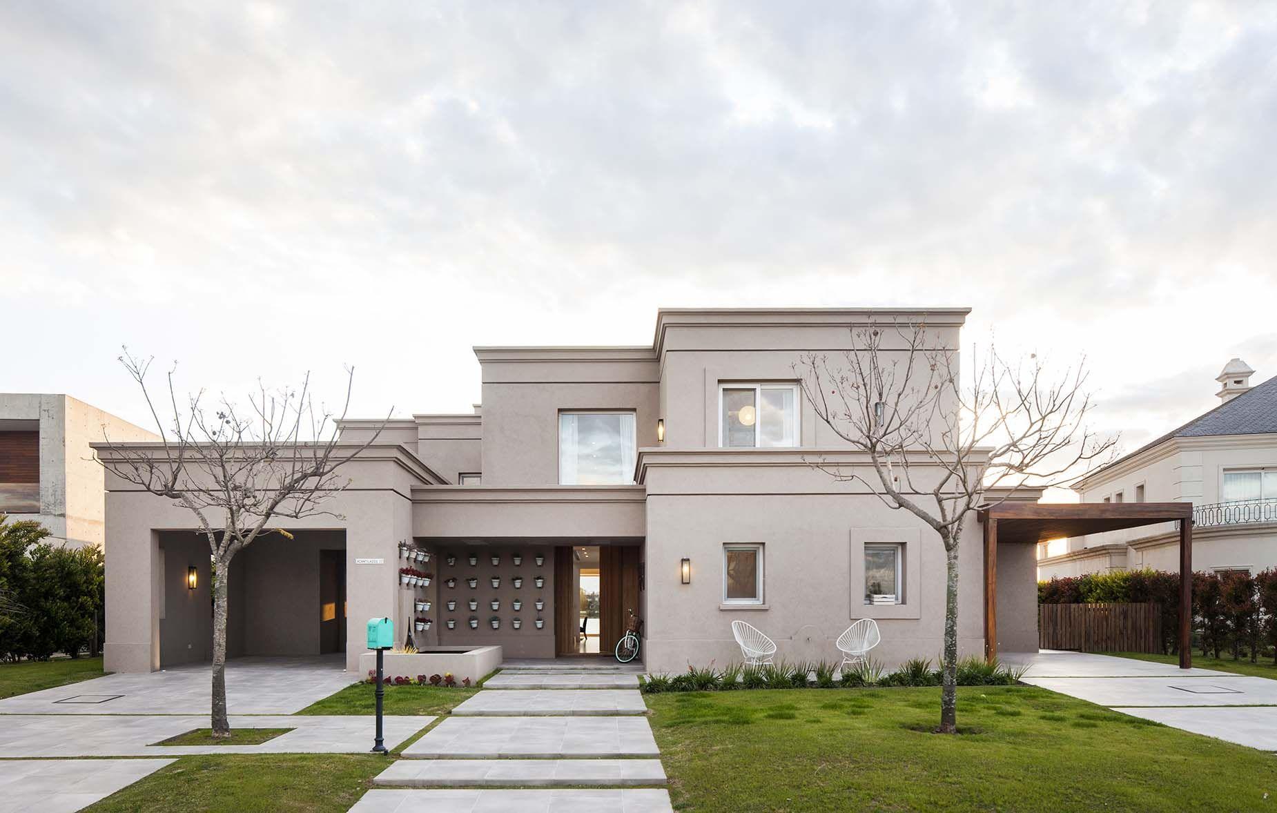 Arquitectura paisajismo ricardo pereyra iraola for Fachadas de casas clasicas pequenas