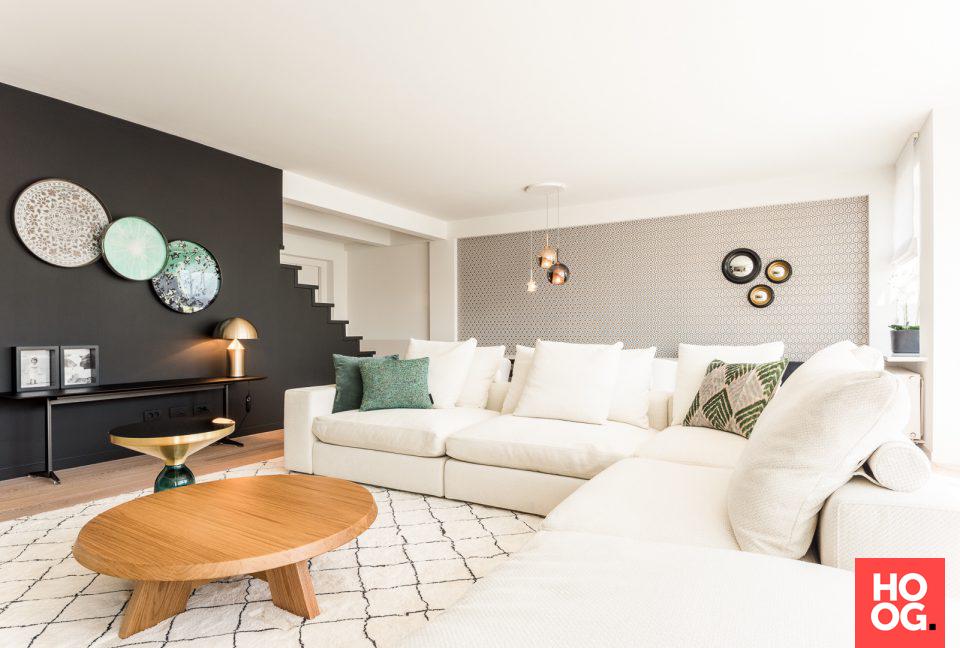 Moderne woonkamer inrichting met luxe meubels | inspiratie woonhuis ...