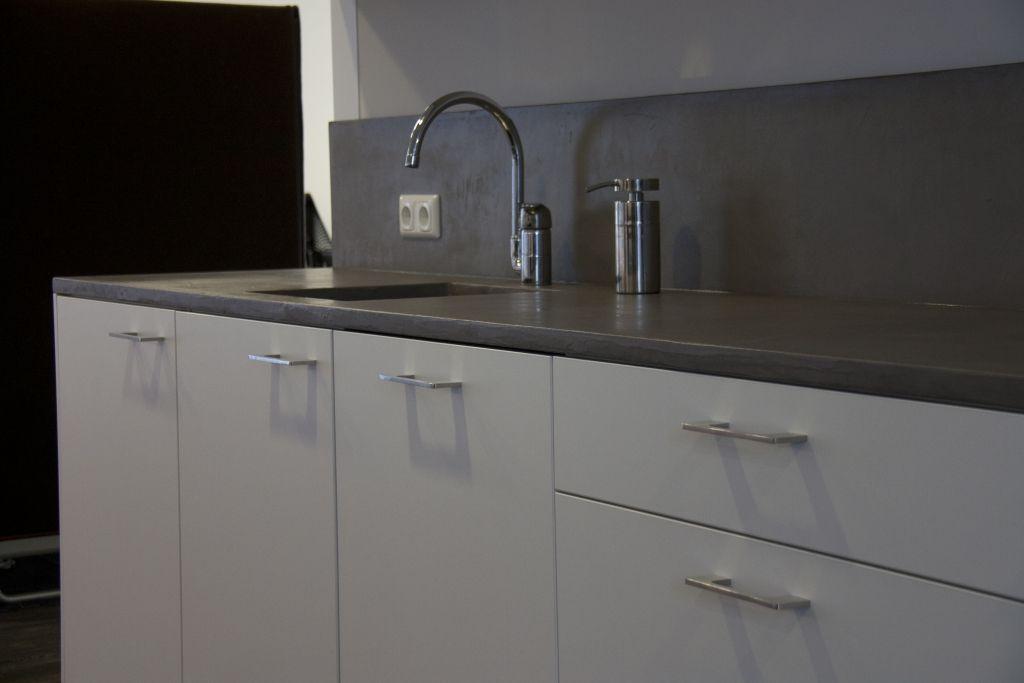 Beton cire keukenblad betonlook aanrechtblad betonstuc werkblad