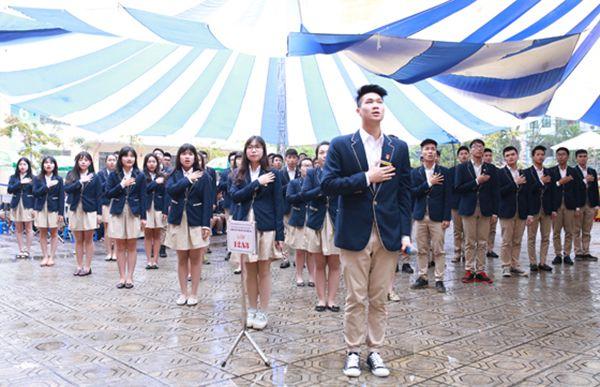 Cho thuê Dù che nắng-Chung kết cuộc thi hát quốc ca trường Phan Huy Chú