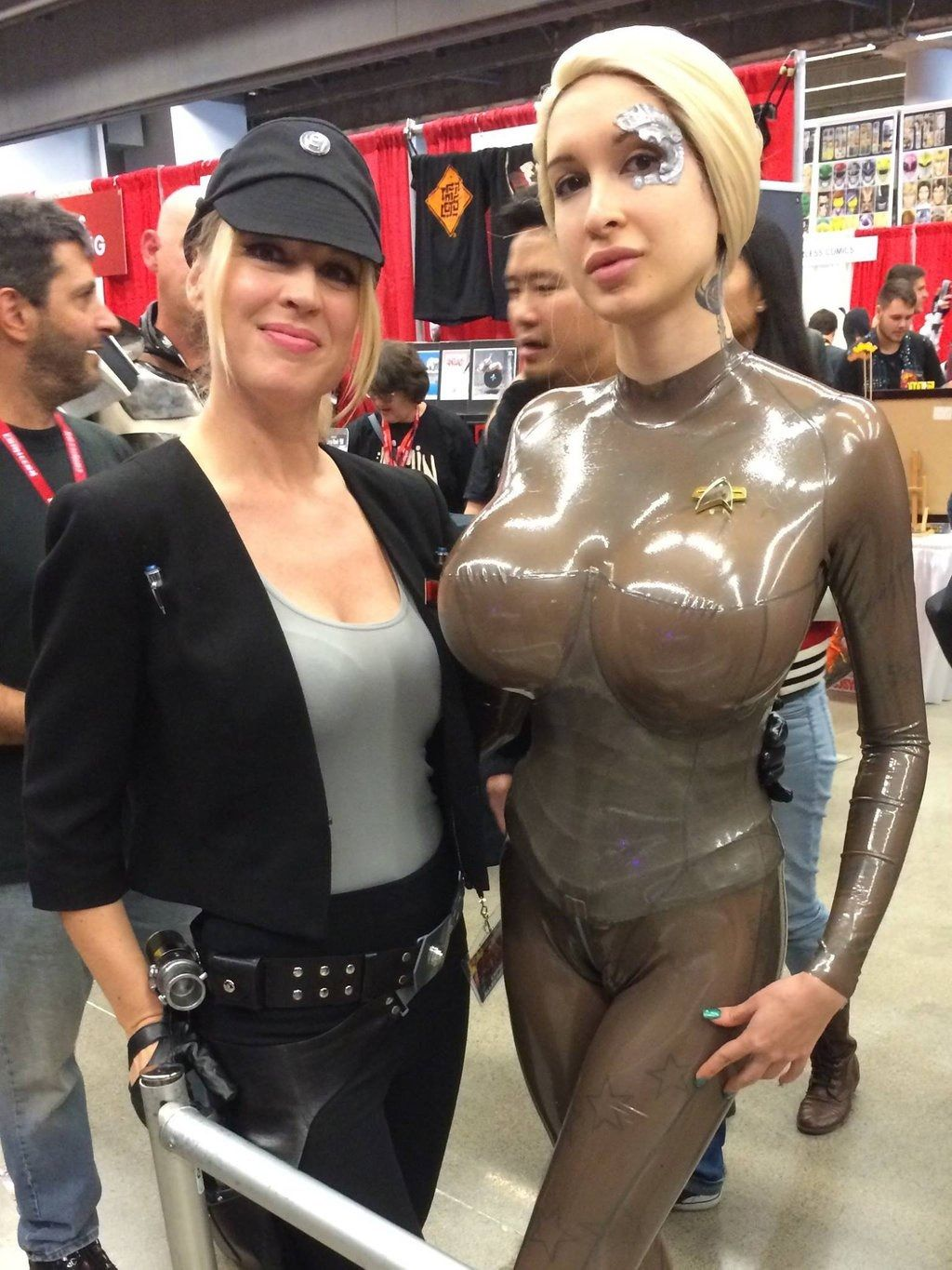 ariane saint amour cosplay Seven of Nine at montreal Comiccon! by Ariane-Saint-Amour