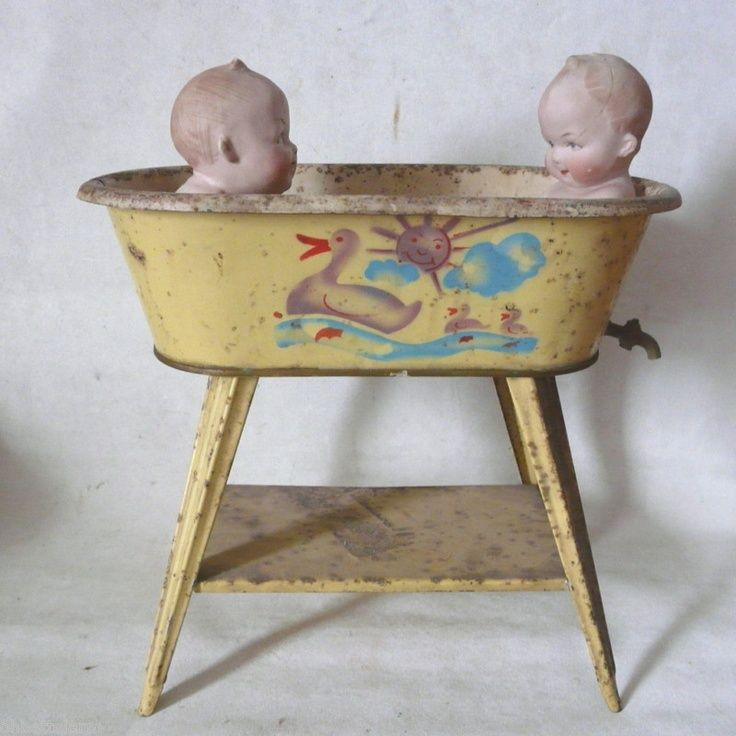 baby dolls in vintage dolly bathtub too darn cute!!!! | vintage toys ...