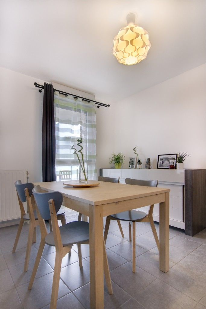 cool salle manger salle manger zen chene clair bois gris blanc table bois et chaise grise ikea