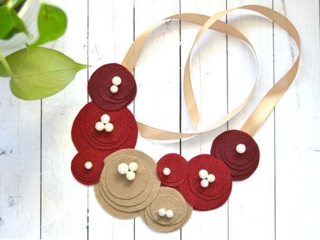 Cadenas y collares - Collar Bubbles Granate - hecho a mano por Amaigaberria en DaWanda