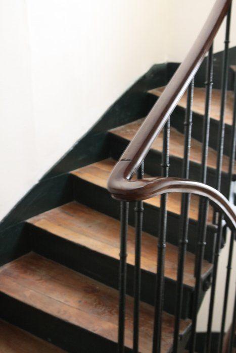 escalier bois et noir d gagements pinterest peinture contemporaine escaliers et contemporain. Black Bedroom Furniture Sets. Home Design Ideas