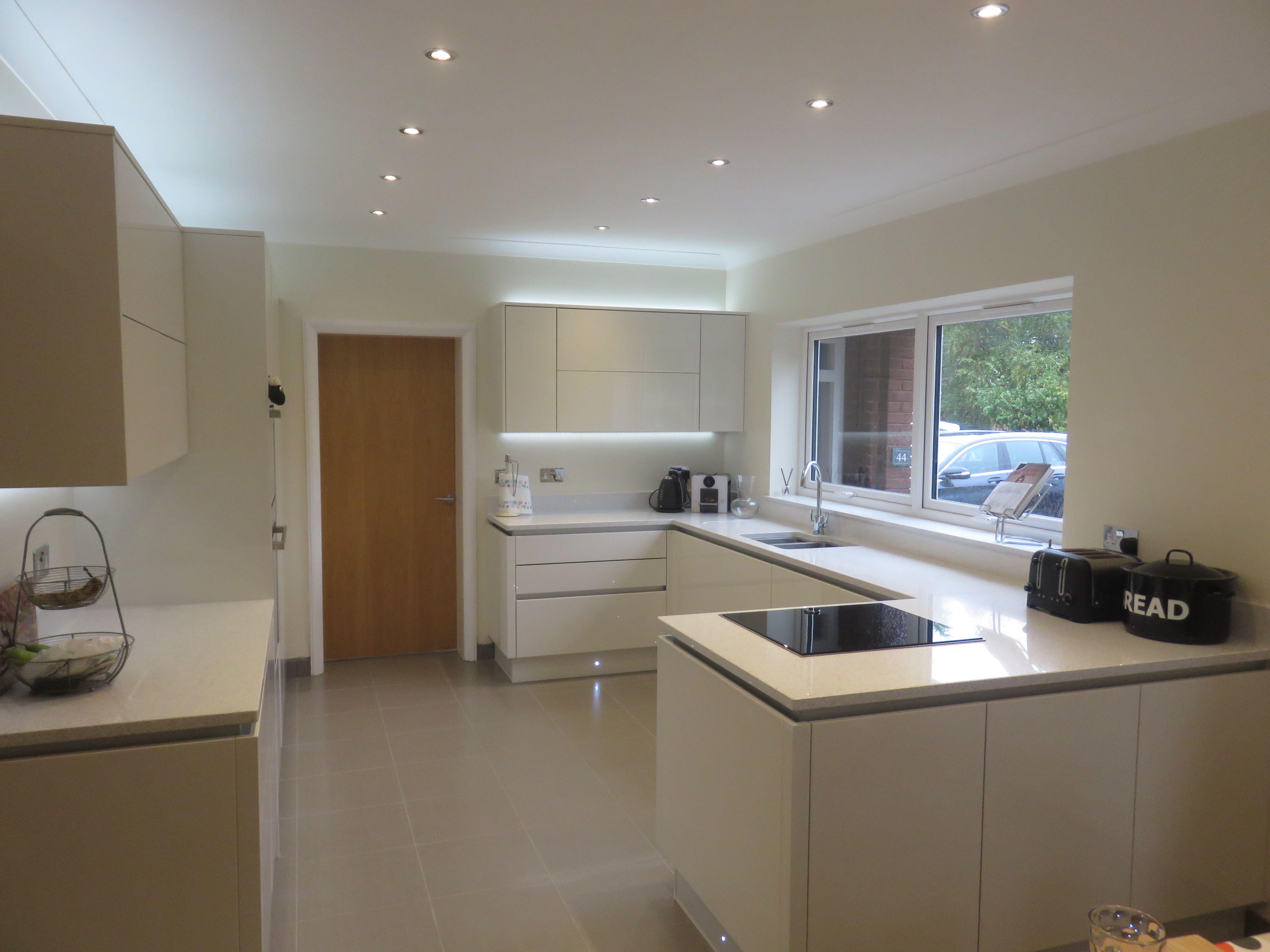 Fitted kitchen in Hagley near Stourbridge; Cosdon door
