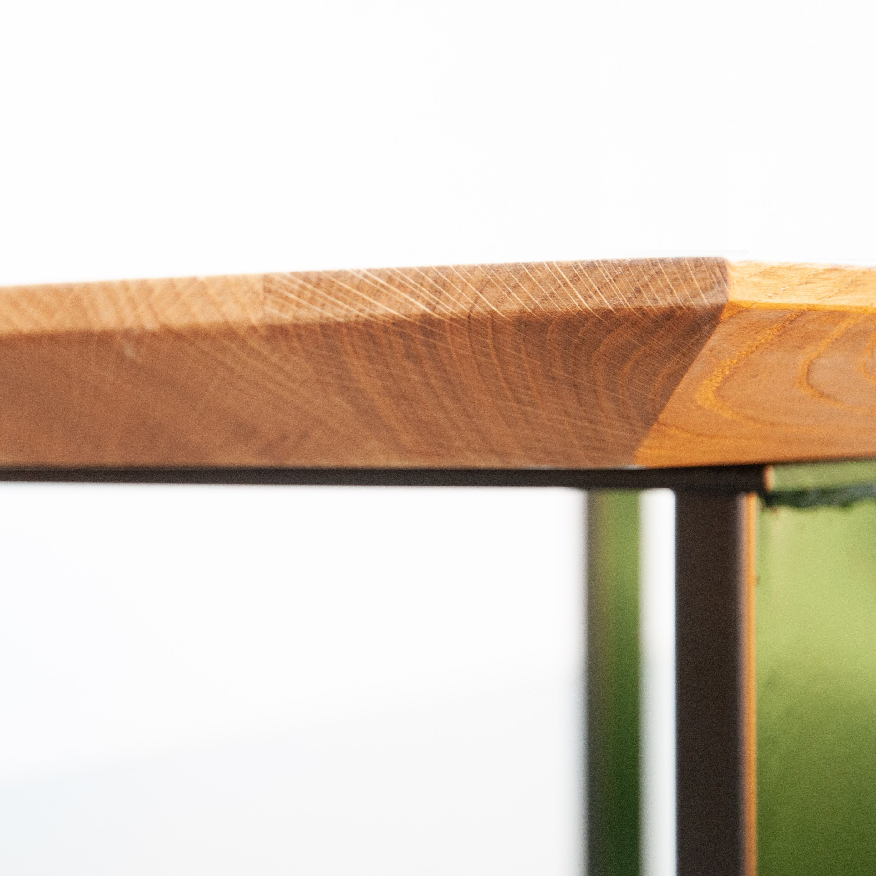 Tisch Mit Schweizer Kante Aus Massiv Eiche Tisch Eiche Massiv Massivholz Tischplatte Tischplatten