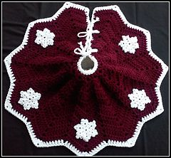 Snowflake Christmas Tree Skirt Pattern By Julie Trimpe Yarn And
