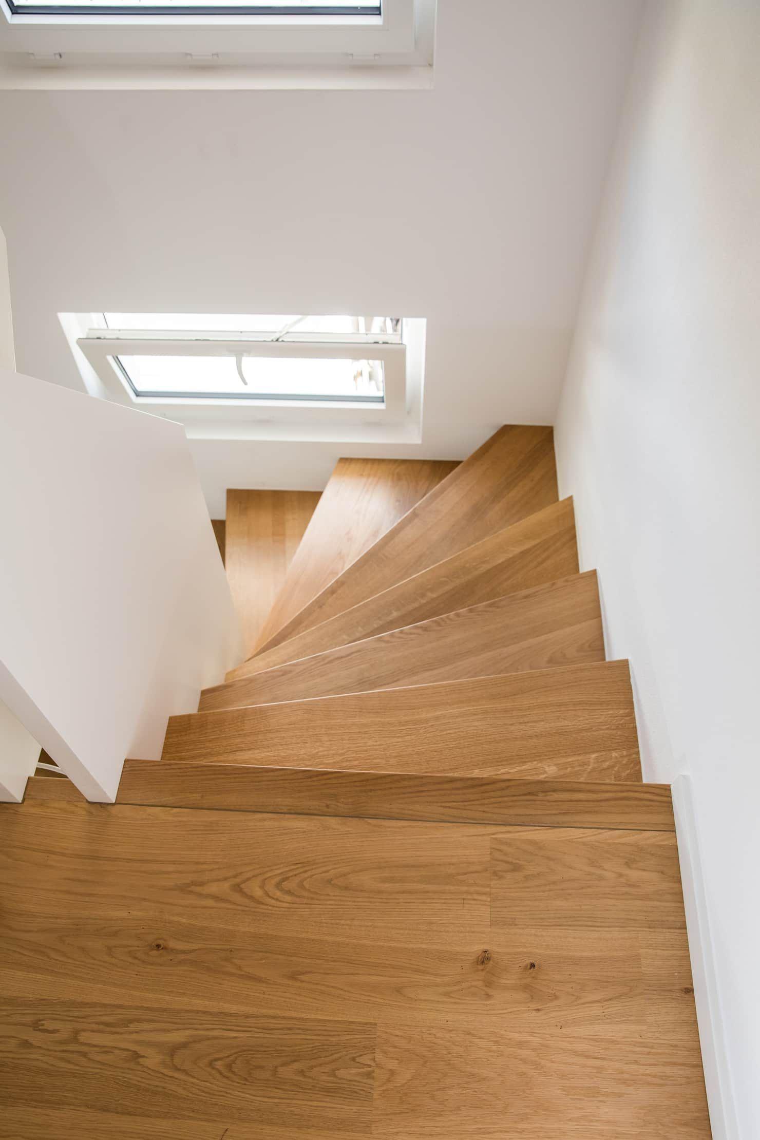Halbgewendelte Treppe Bild 18 [SCHÖNER WOHNEN]