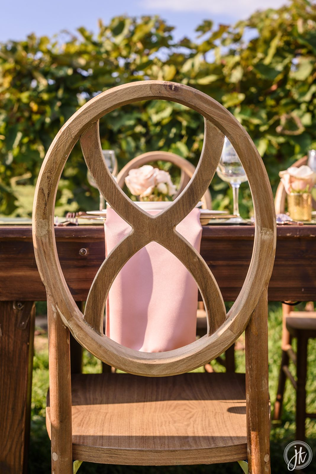 Pin By A 1 Party Event Al On Styled Shoot Les Bourgeois Vineyards Lounge Furniture Jefferson City Mo