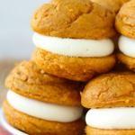 5 Ingredient Pumpkin Cheesecake Whoopie Pies