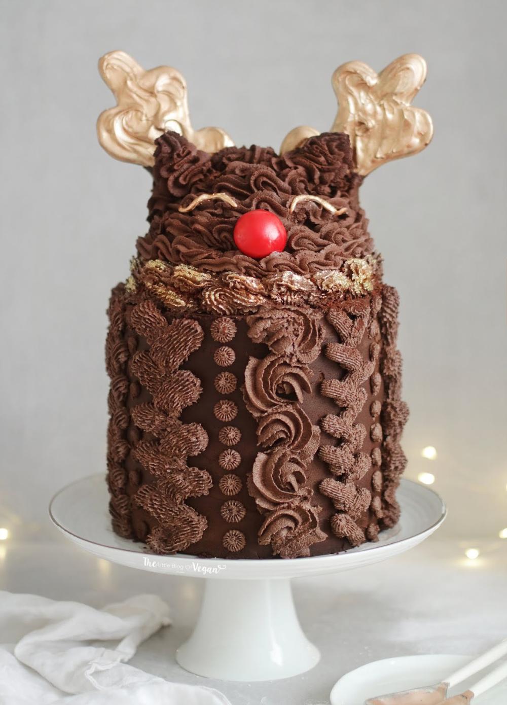 Chocolate ganache reindeer cake in 2020 Reindeer cakes