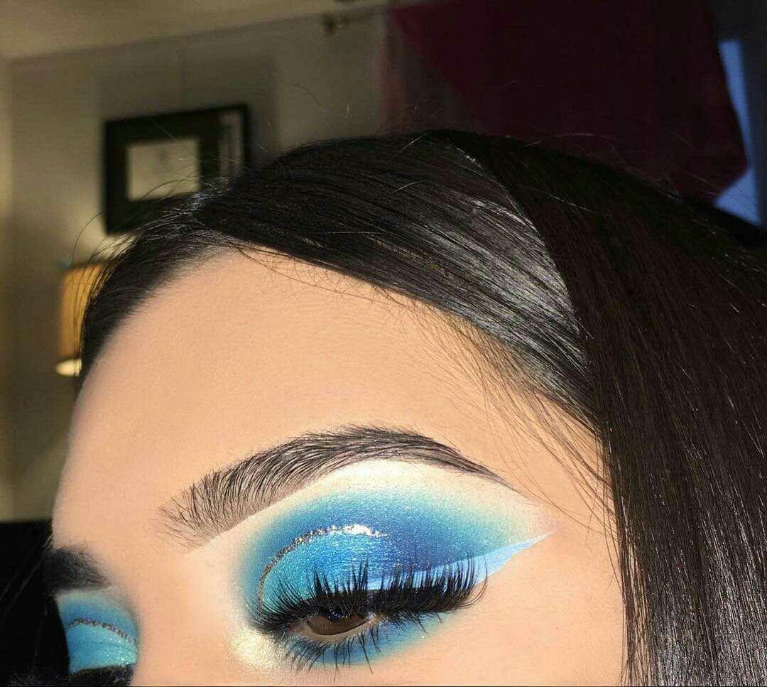 pinterest @iiiannaiii | blue makeup, creative makeup