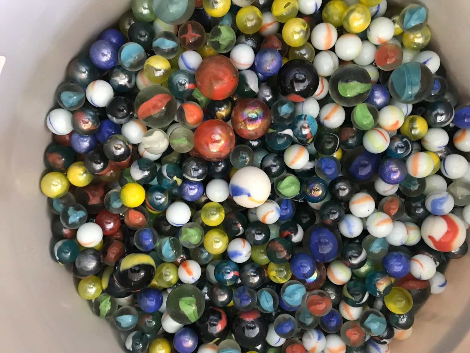 Marbles 58799 A Mixed Lot Of 250 New Glass Marbles > BUY