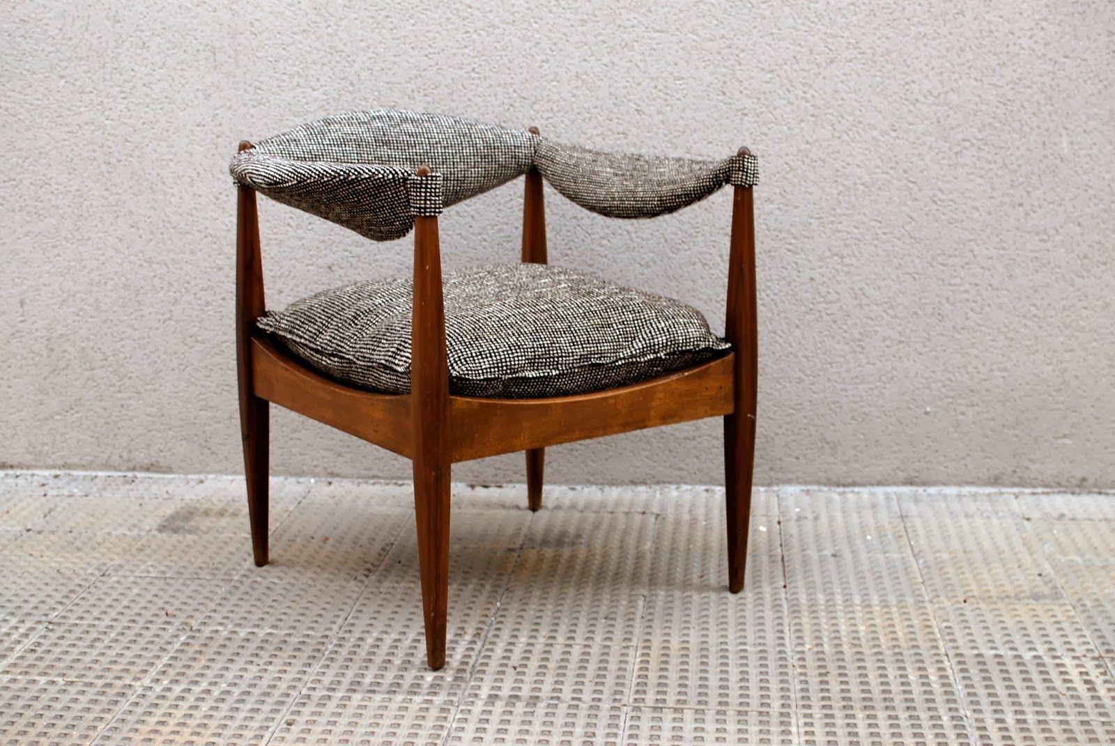 Mobiliario siglo xx y l mparas fase interior designers - Sillas anos 60 ...