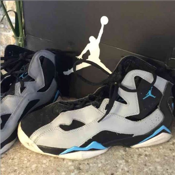 98fa2c3bc91 Nike Jordan true flight BG black grey 7y 100% authentic comes with original  box. Worn and does show some wear on the front but plenty of wear left.