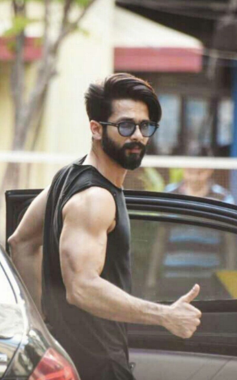Cool Hero Shahid Kapoor In 2019 Bollywood Hairstyles Hair