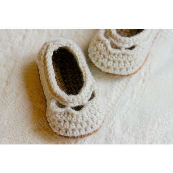 Simple Crochet Baby Slippers - A Free Pattern | Crochet Baby Booties ...