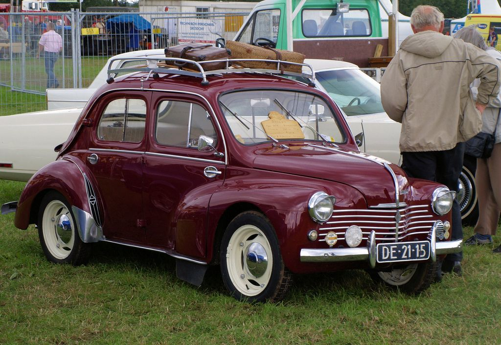 1952 renault 4cv v e pre loved car museum v e pinterest photos. Black Bedroom Furniture Sets. Home Design Ideas