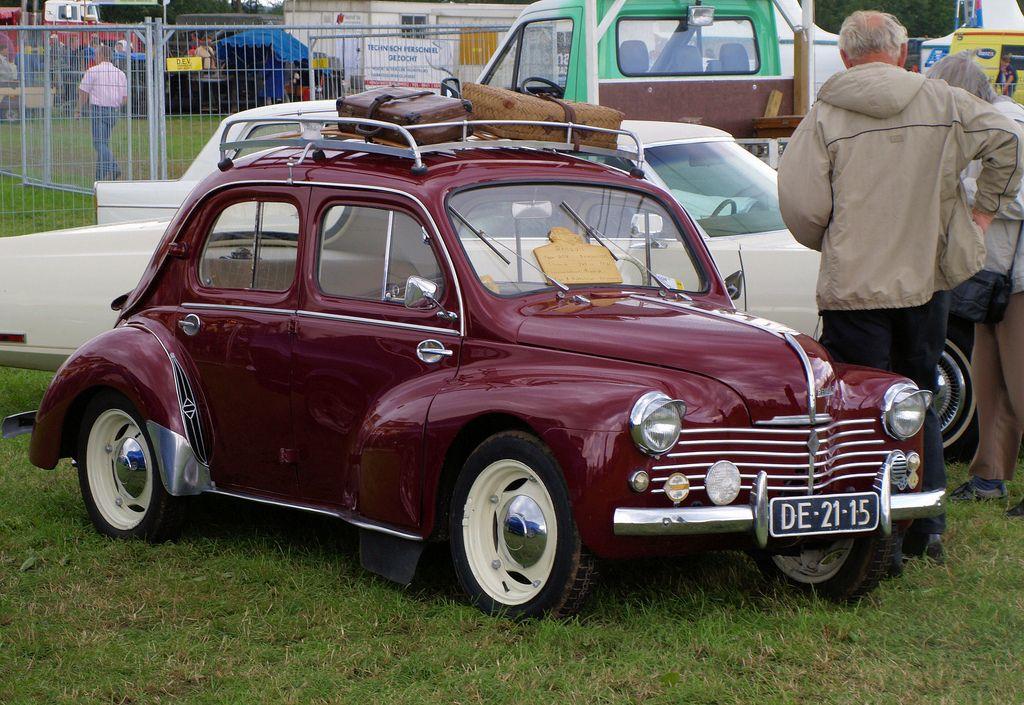 1952 renault 4cv v e pre loved car museum v e. Black Bedroom Furniture Sets. Home Design Ideas