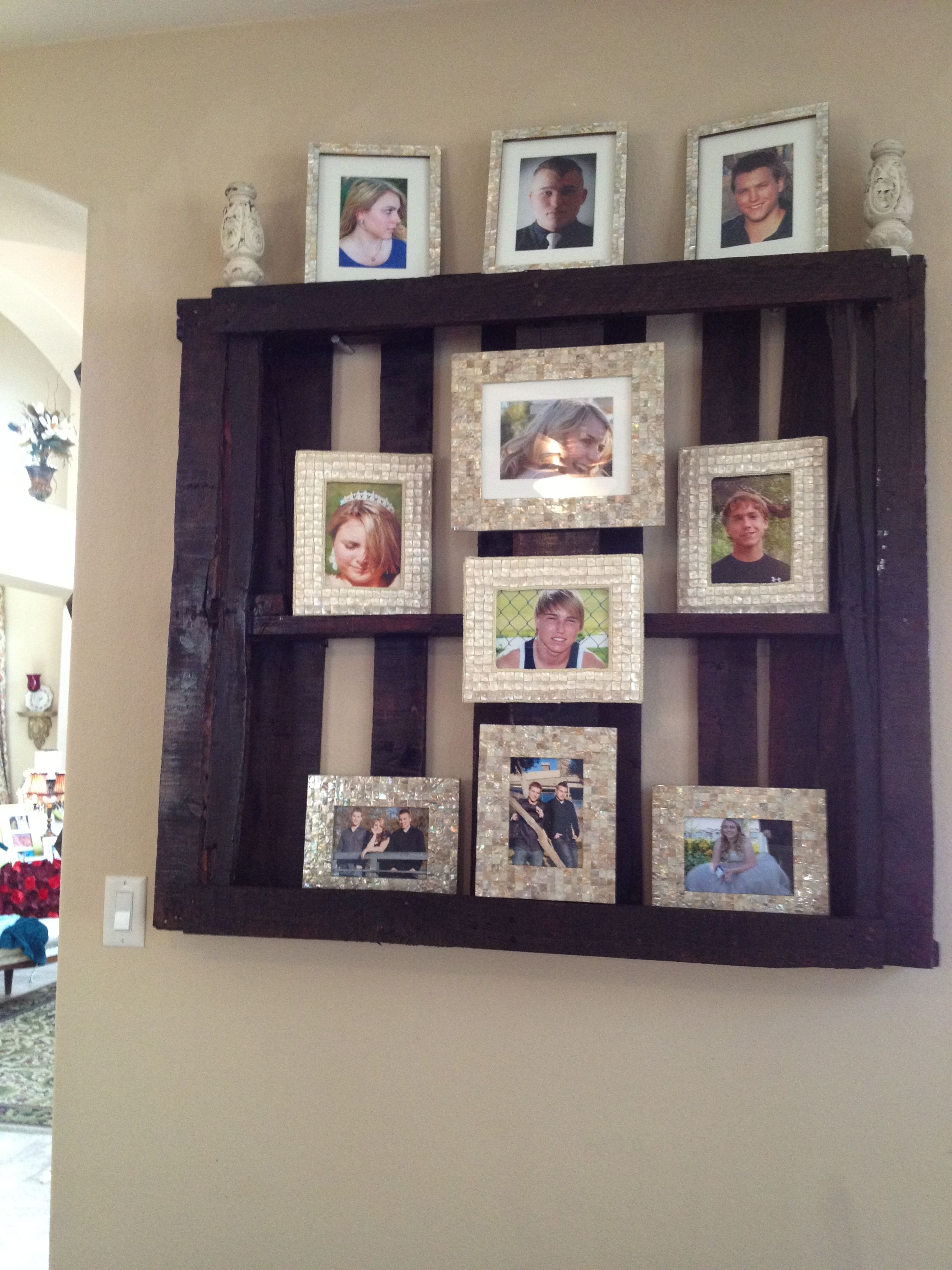 Stained Pallet Picture Display! | Pallet picture display ...